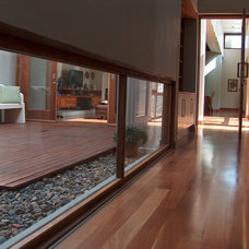 Contemporary Hall by Mellet & Human Architects