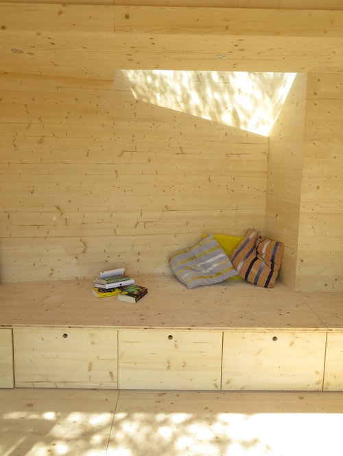 scandinavian hallway design ideas renovations photos. Black Bedroom Furniture Sets. Home Design Ideas
