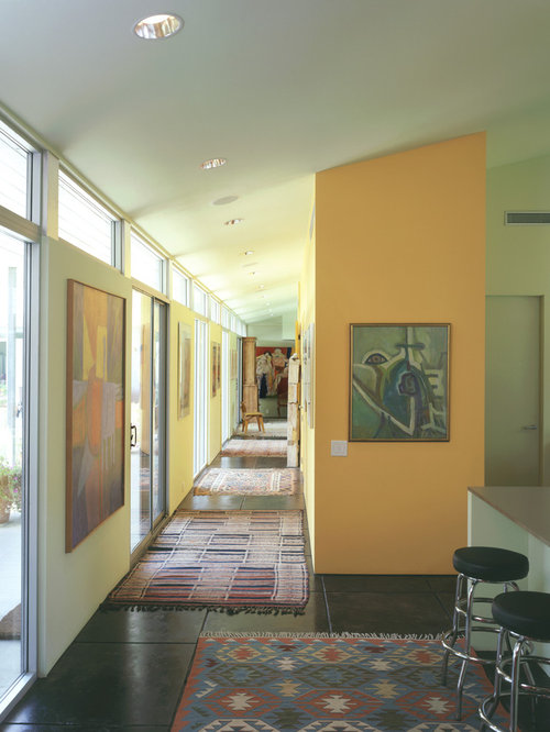 10 Best Midcentury Modern Hallway with Orange Walls Ideas | Houzz