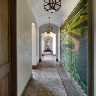 Пример оригинального дизайна: коридор в средиземноморском стиле