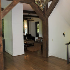Traditional Hall by Banks Home Building, Inc.
