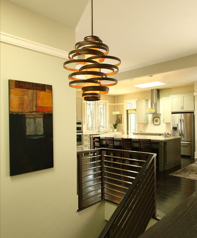 Contemporary Hall by JR McDowell Homes