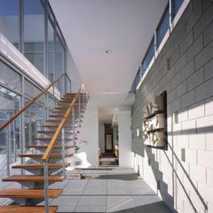 modern hall by Kanner Architects - CLOSED