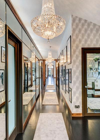 American Traditional Corridor Kensington Penthouse