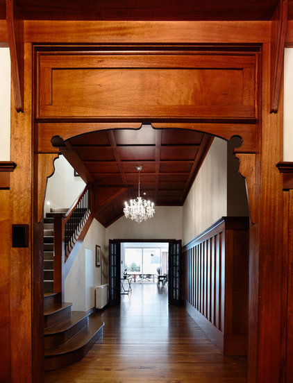 Traditional Hall by Canny Design