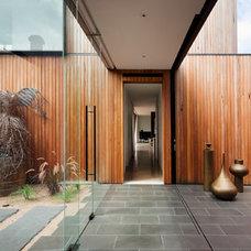 Contemporary Hall by Matt Gibson Architecture + Design