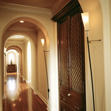 Traditional Hall by Robeson Design