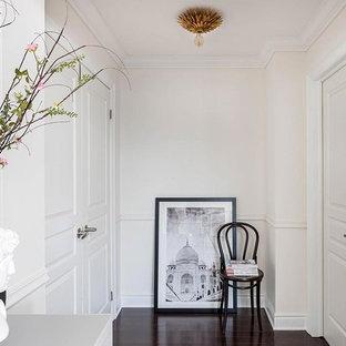 Idéer för att renovera en liten eklektisk hall