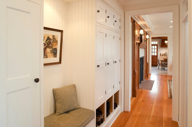 Traditional Hall by Jesse Bay Cabinet Co.
