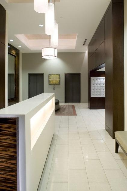 Modern Hall by Garret Cord Werner Architects & Interior Designers