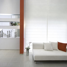 Contemporary Hall by HILIT