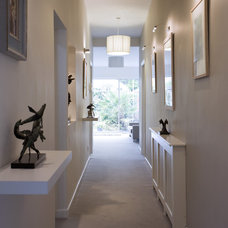 Contemporary Hall by Optimise Design