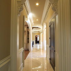 Traditional Hall by Alex Custom Homes, LLC