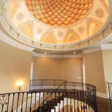 Traditional Hall by Alex Custom Homes, LLC
