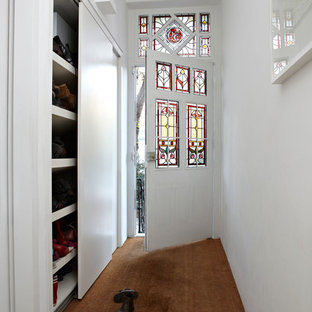 Esempio di un ingresso o corridoio design