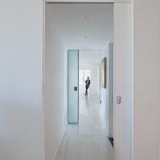 Modern Hall by David Bucovy Architect