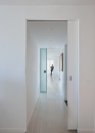 Moderne Couloir by David Bucovy Architect