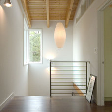 Contemporary Hall by Studio Sarah Willmer