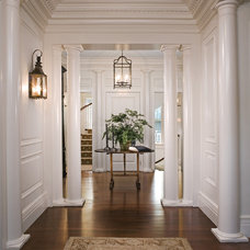 Traditional Hall by A. Tate Hilliard, Architect/Builder