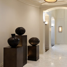 Contemporary Hall by Marshall Morgan Erb Design Inc.