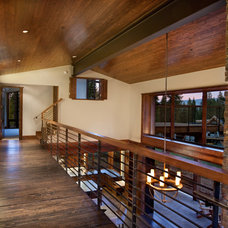 Contemporary Hall by Crestwood Construction Inc.