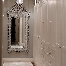 Traditional Hall by 186 Lighting Design Group - Gregg Mackell
