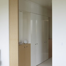 Contemporary Hall by FR James Construction