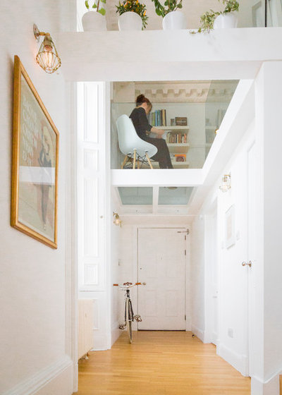 Contemporain Couloir by Dog + Fox