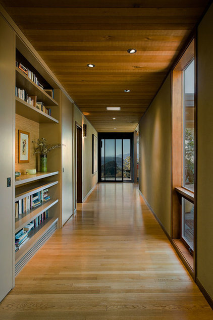 modern hall by Koch Architects, Inc.  Joanne Koch