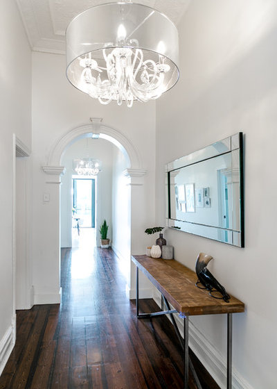Contemporary Hall by Hills & City Construction