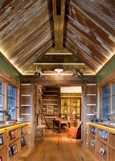 Rustic Hall by Copper Creek Homes, LLC