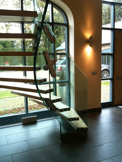 Contemporary Hall by Siller Stairs