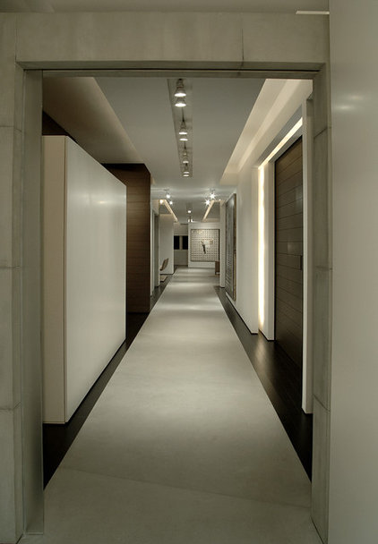 Contemporary Hall by Troy Dean Interiors