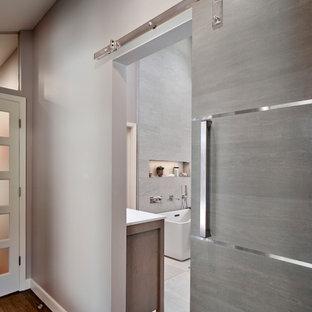 Inspiration för moderna hallar, med grå väggar
