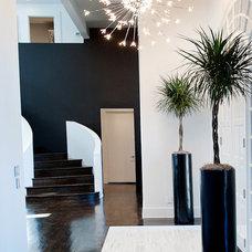 Modern Hall by Atmosphere 360 Studio