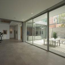 Modern Hall by Porebski Architects