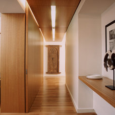 Modern Hall by Dirk Denison Architects