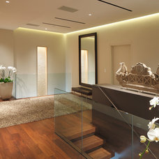 Contemporary Hall by BANKS|RAMOS Architectural Lighting Design