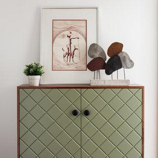 Пример оригинального дизайна: коридор в современном стиле
