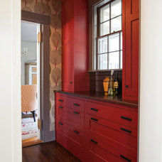 Transitional Hall by New England Design Works
