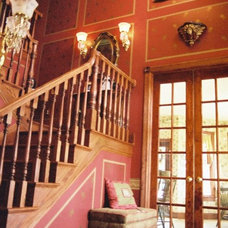 Traditional Hall by Gantt's Decorating