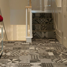 Contemporary Hall by Surface Tiles