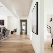 Contemporary Hall by Stocker Hoesterey Montenegro