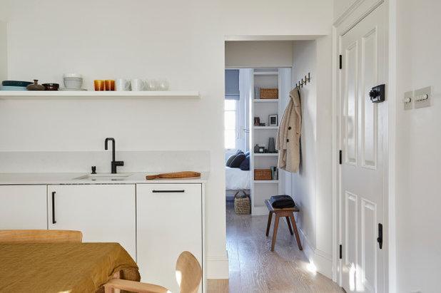 Midcentury Hallway & Landing by Imperfect Interiors