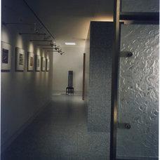 Modern Hall by Gerner Kronick + Valcarcel, Architects, DPC