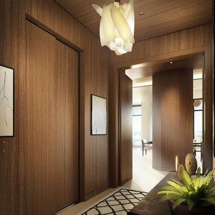 Inspiration för exotiska hallar, med bruna väggar