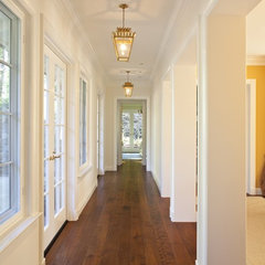 traditional hall by Matarozzi Pelsinger Builders
