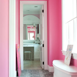 Inspiration for a timeless hallway remodel in Chicago