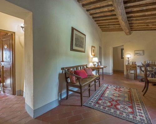 landhausstil flur mit terrakottaboden design ideen. Black Bedroom Furniture Sets. Home Design Ideas
