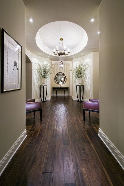 Contemporary Hall by Jennifer Bevan Interiors